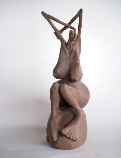 Sculpture faience #art #girl – Matilde au bain ©LilaVert