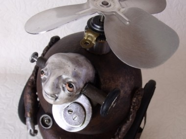 Stephanie Vandal – LE VETERAN 2. 2011 – Mixed media art sculptures