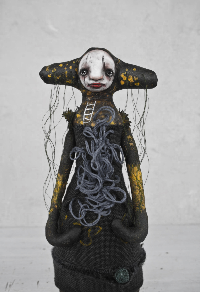 Stephanie Vandal – PRINCESSE AU PETIT POIS – Mixed media art sculptures