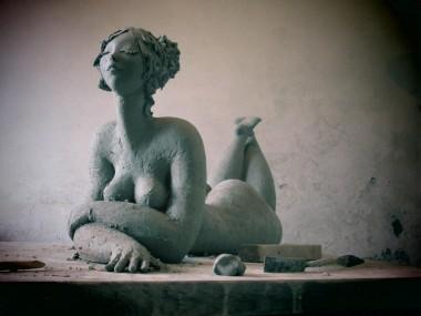 Zacchetti Catherine Sculptures femme ronde terre brute