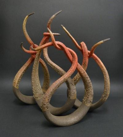 Alberto Bustos – sculptures Anud – Refractaria negra y porcelana, pigmentos, oxidos y esmaltes / www.bustosescultura.es
