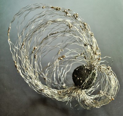 Maja Taneva – Metal wire sculptures (Macedonia) – http://amajart.blogspot.fr