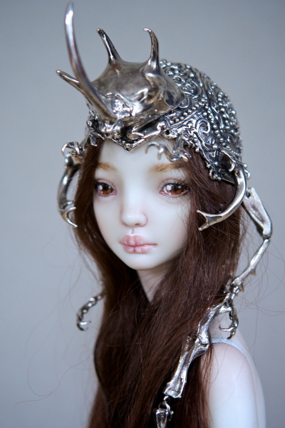 Marina Bychkova- Enchanted Doll – The Hybrid Beetle Crown / http://www.enchanteddoll.com