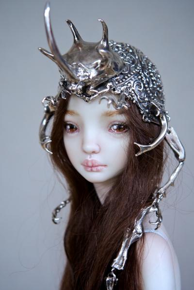 Marina Bychkova- Enchanted Doll – The Hybrid Beetle Crown / http://www.enchanteddoll.com