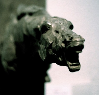 Catherine thiry, horse sculptures – Please – bronze – 20 cm / http://www.catherinethiry.be/