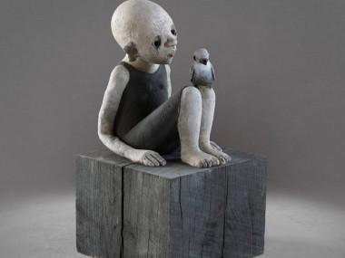 Nathalie Gauglin – Sculpture Fillette au martinet noir