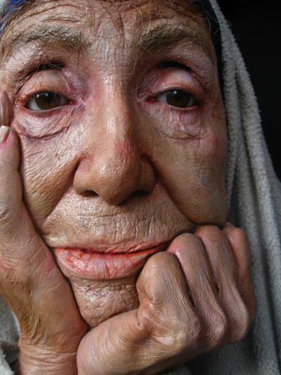 Marc Sijan – sculptures hyperealistes – Old woman