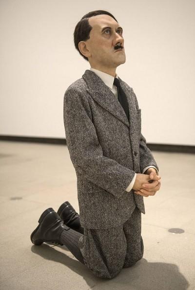 Maurizio-Cattelan – Him – 2004 – Hitler