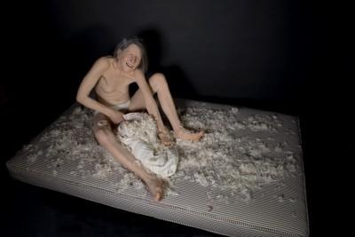 Tip Toland – hyper realistic sculpture Tantrum, 2017.