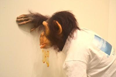 Tony Matelli – sculpture hypeRealiste – chimpanze / tonymatelli.com