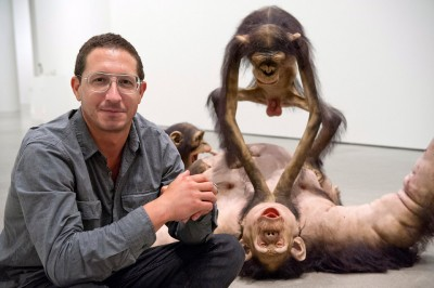 Tony Matelli – sculpture hyperrealiste – Old Enemy, New Victim, 2006 – portrait / tonymatelli.com