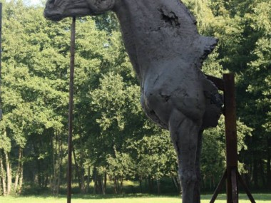 Cheval monumental réalisé au Haras de la Cense à Rochefort (78)