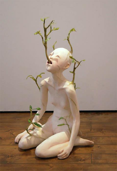 Yui Ishibashi – End of tears 117 x 100 x 100 – sculpture