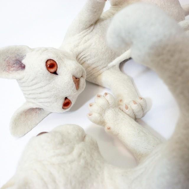 Zoë Williams – cats sculptures