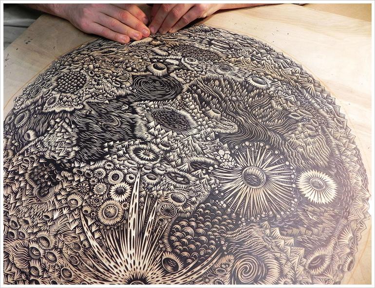 themoon_woodcut_carving02_b