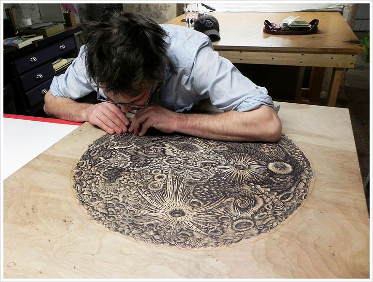 themoon_woodcut_carving04_b