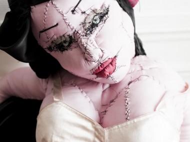 © Anne-Valérie Dupond- Sculpteur textile – pin up