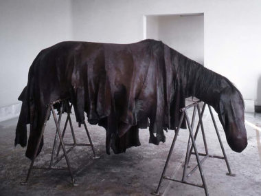 BERLINDE DE BRUYCKERE – Horse sculpture
