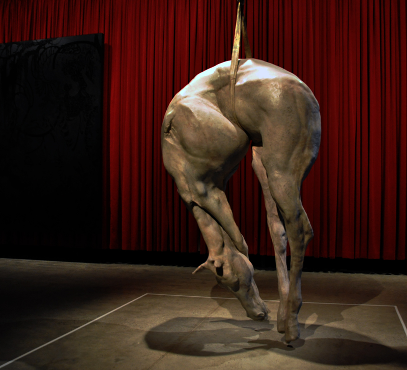 Berlinde de Bruyckere – sculpture horse
