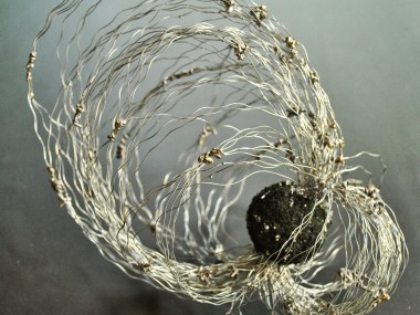 Maja Taneva – Metal wire sculptures (Macedonia)