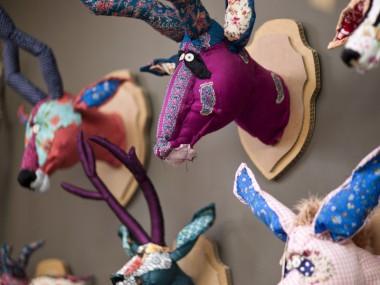 trophée de chasse – © Anne-Valérie Dupond – Sculpteur textile