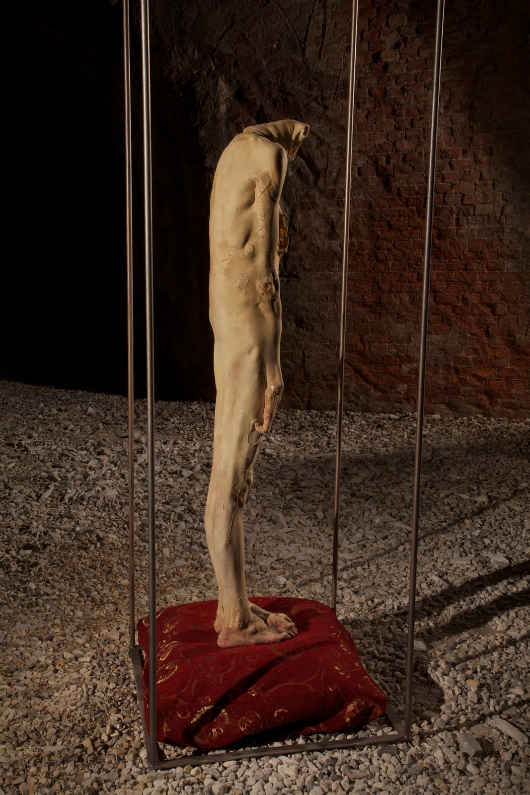 Francesco Albano – 35 kg part- hyperrealiste sculpture