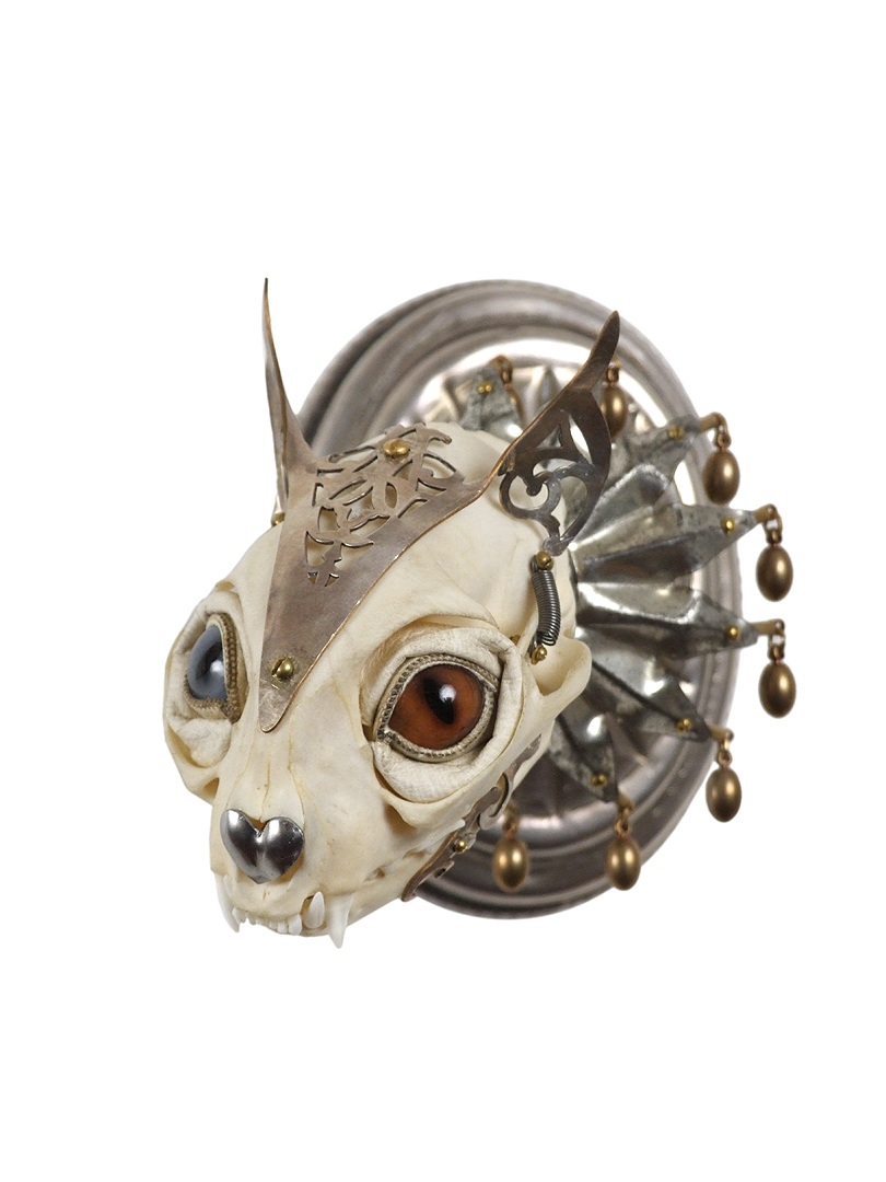 Jessica Joslin – Cat-Antique brass hardware and findings, silver filigree cut-work, bone, steel, beads, glove leather, glass eyes2