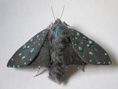 yumi-okita – Textile Creatures – papillon noir
