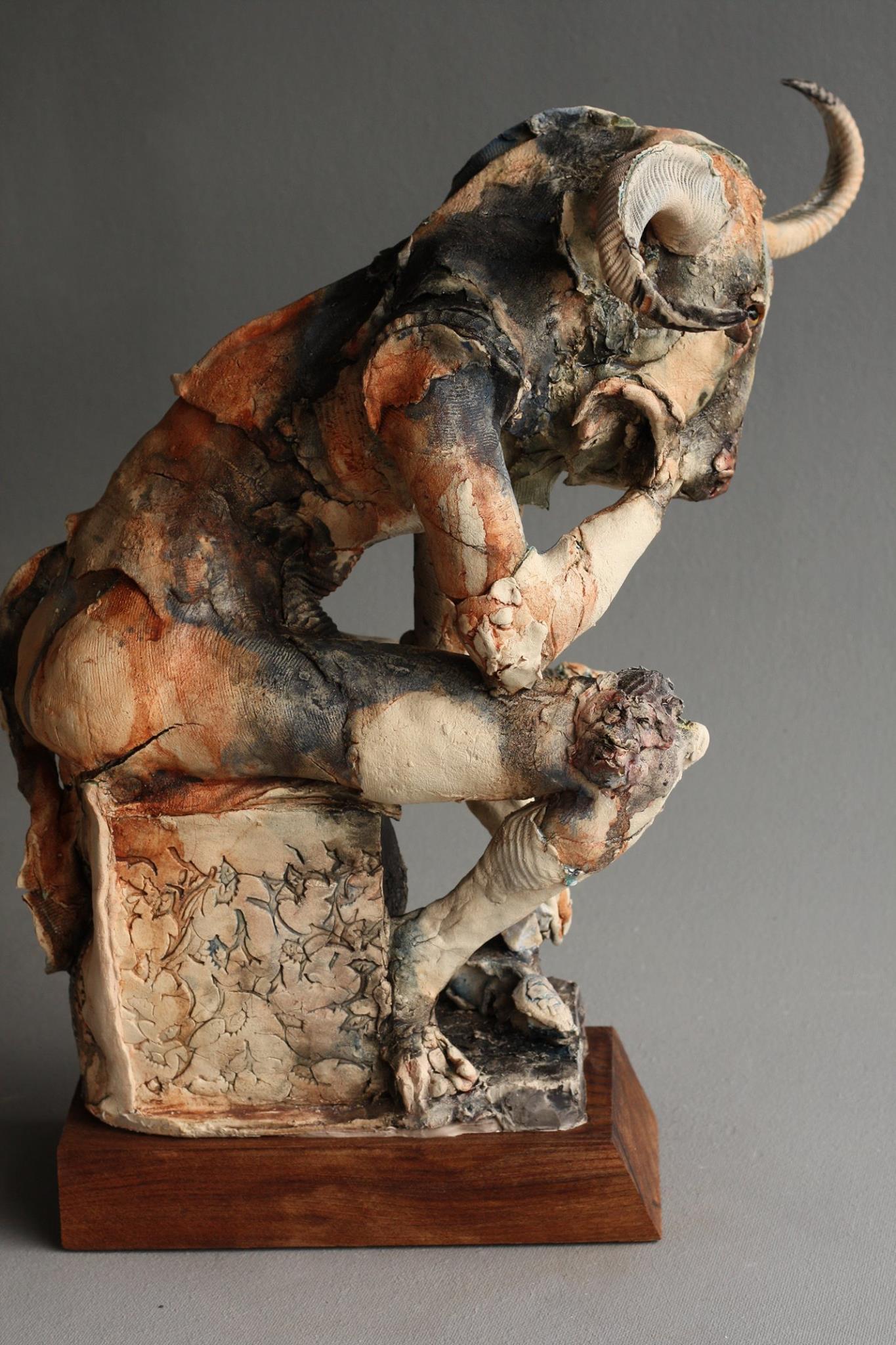 Minotaur sculpture – Ostinelli