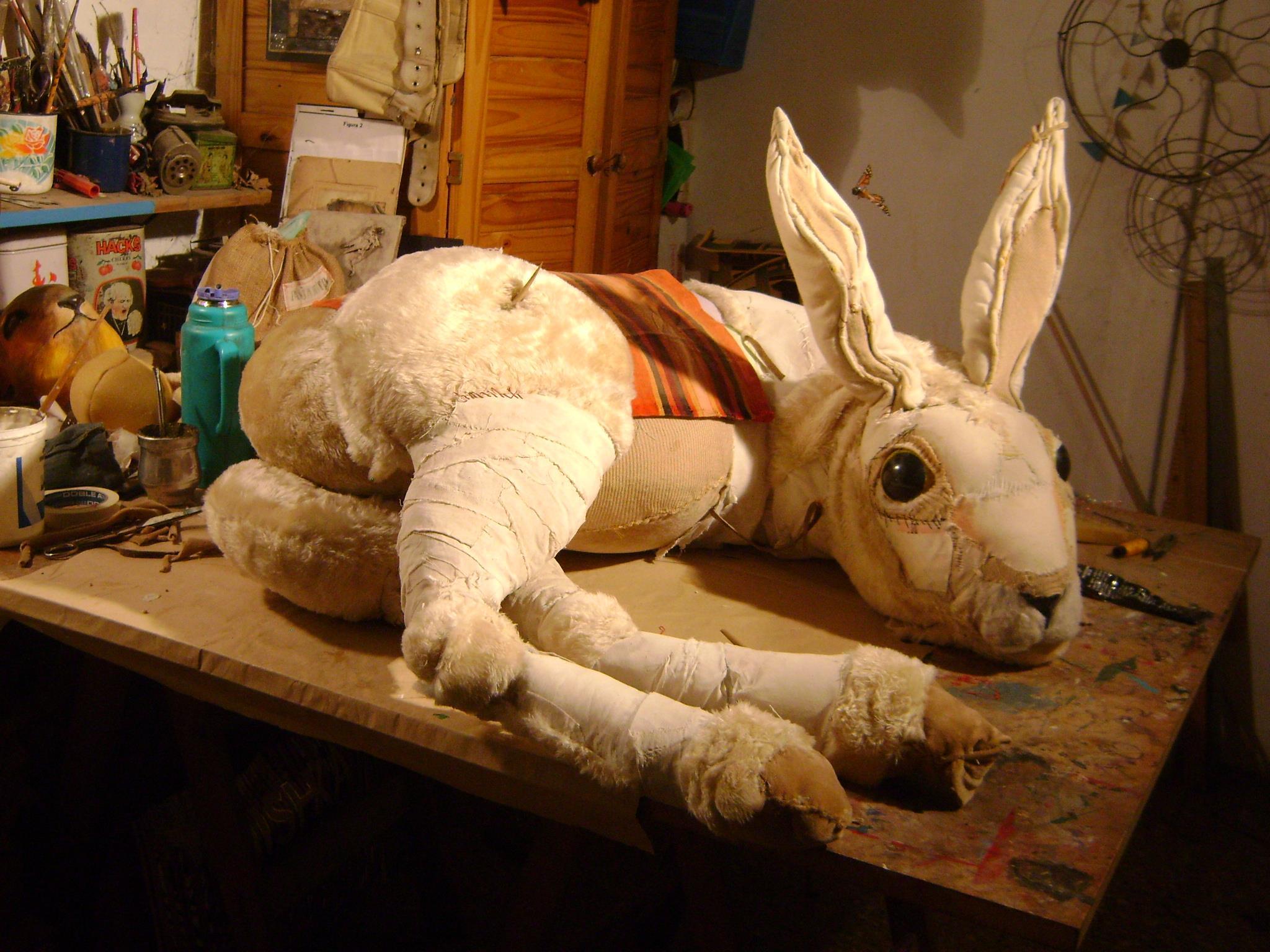 Valeria Dalmon – Textiles sculptures bunny