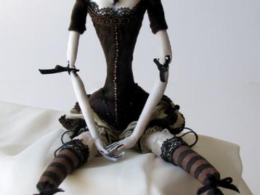Tireless Artist – Art dolls / Interpertation of Marie Antoinette