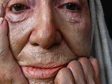 Marc Sijan – sculptures hyperealistes – Old woman