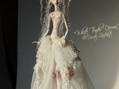 Tireless Artist – Art dolls / The whole day of chasing sunbeams
