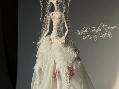 Tireless Artist – Art dolls / The whole day of chasing sunbeams