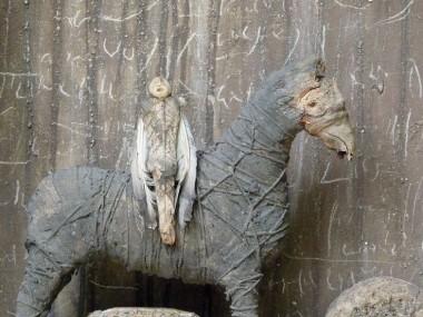 jephan de villiers – Sculptures – Le visiteur / Sculptures matieres naturelles