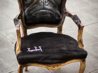 Herakut – When Then Grumpy Pug Turned Into A Chair / Street artist