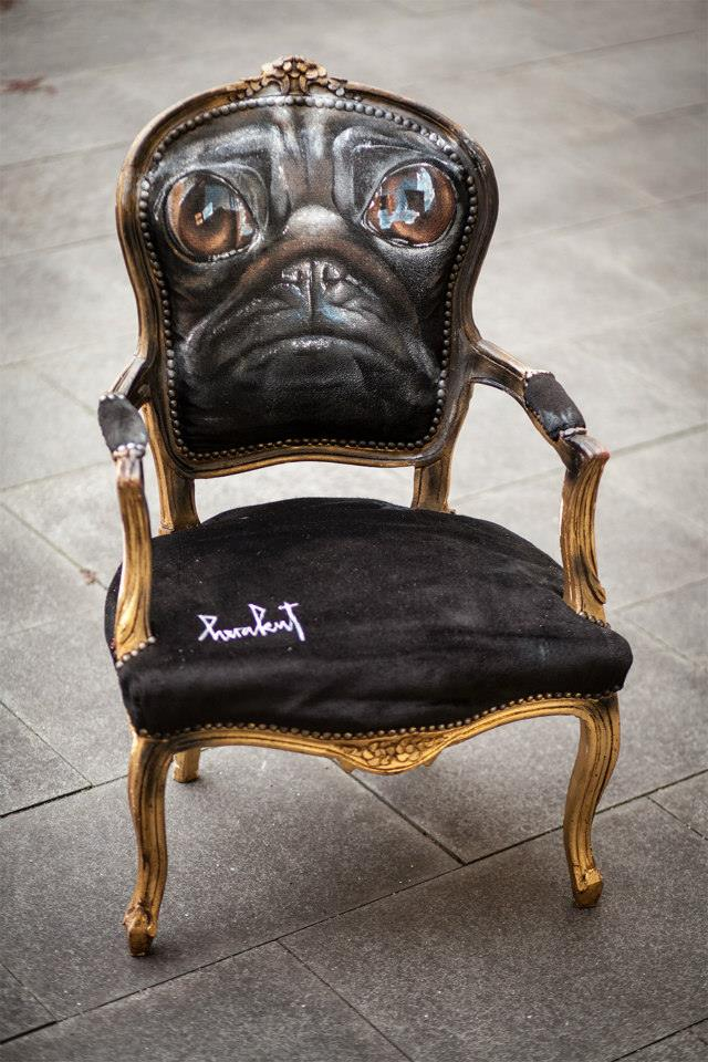 Herakut – When Then Grumpy Pug Turned Into A Chair / Street artist
