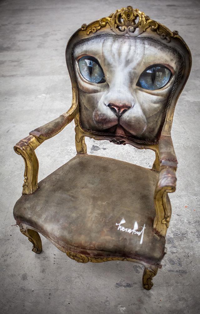 Herakut – chaise peinte  / Street artist