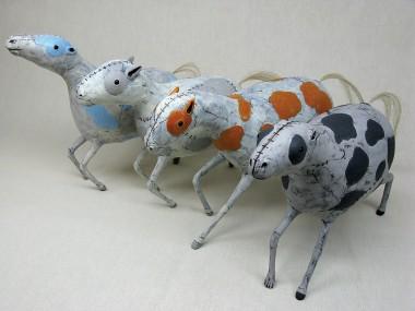 Izumi May – cloud ponies / Sculptures