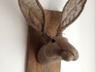 Julia trophee textile – bunny / Textile art