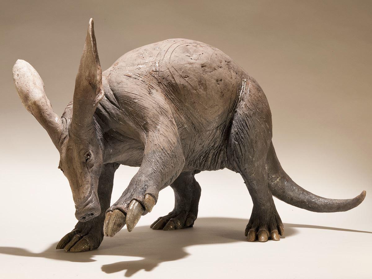 Nick Mackman – Aardvark sculpture