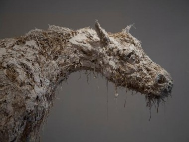 Nicola Hicks – Closed up horse – Life study – 2012 / sculptures