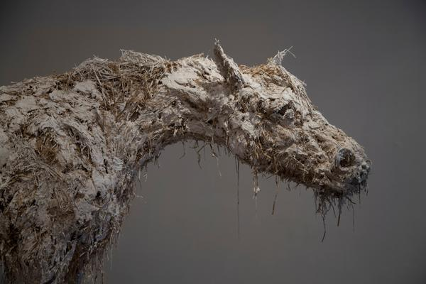 Nicola Hicks - Closed up horse - Life study - 2012 / sculptures