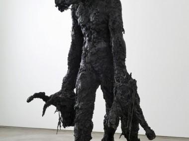Nicola Hicks – Sculpture Banker