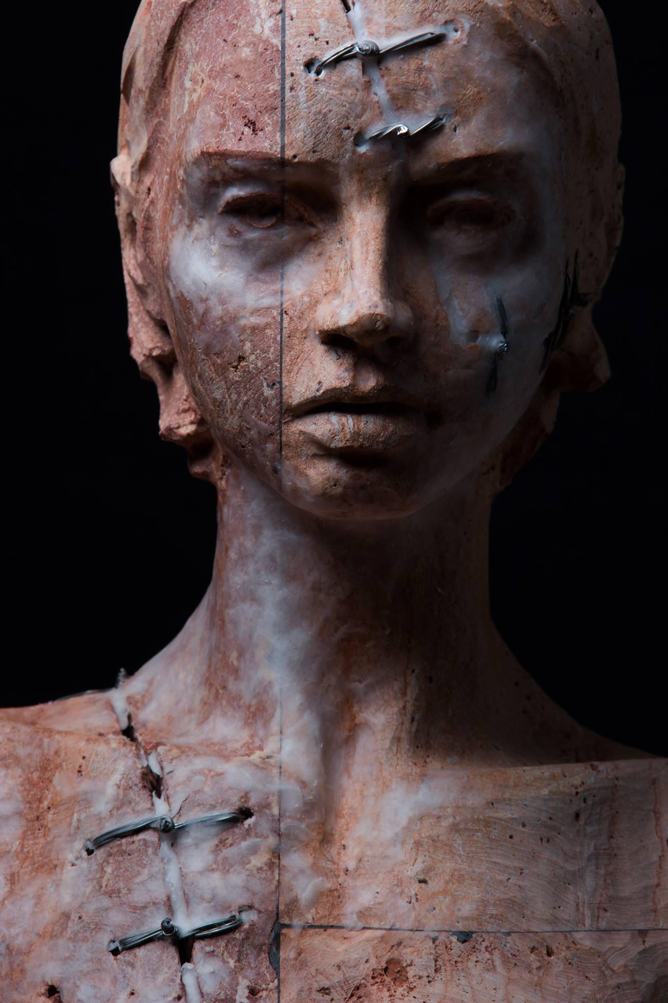 Christian Zucconi sculptures – Corpo III (2014)