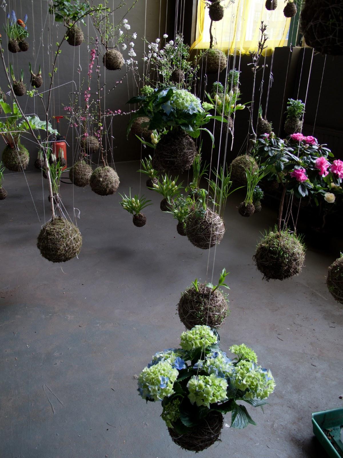 Fedor van der Valk  – hanging planters – string garden
