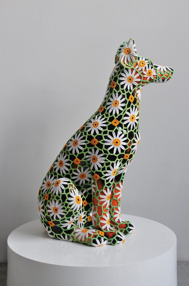Joana Vasconcelos - Dog sculpture dentelles Art
