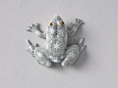 Joana Vasconcelos – Grenouille sculpture dentelles Art