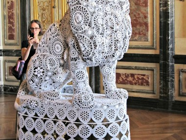 Joana Vasconcelos – Lion sculpture dentelles Art