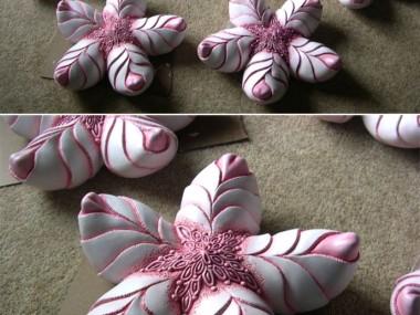 Rebekah Bogard – Flowers sculptures